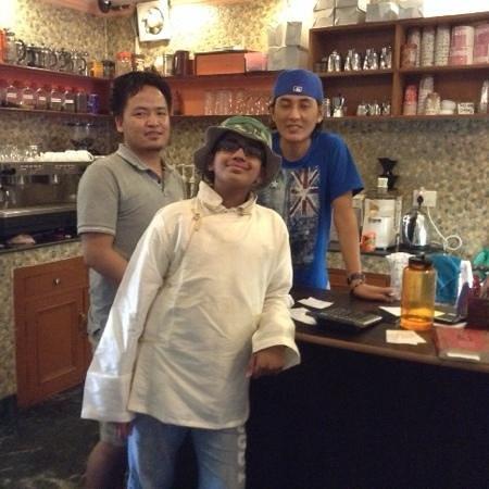 Snow Lion Restaurant: the staff