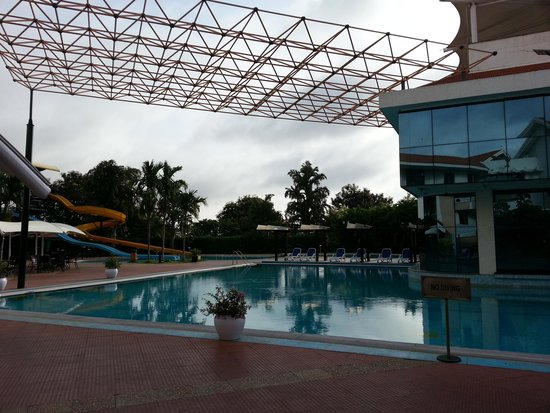 Clarks Exotica Convention Resort & Spa: pool area