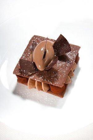 Restaurant et bar les Caroubiers : Dessert: Carrément tout chocolat