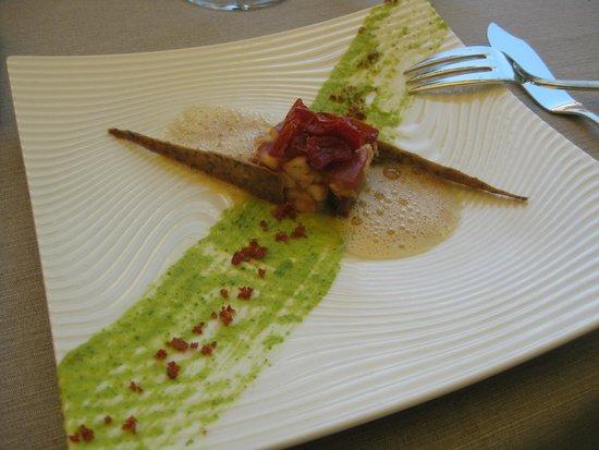 Christian Etienne : Poulpe « esquiché » et tomates olivettes confites, coulis de courgette, croustillant au carvi no