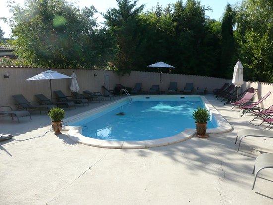 Hotel l'Amandiere : La piscine sécurisée pour les enfants.
