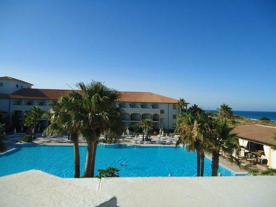 Iberostar Andalucia Playa: Vista habitación lateral piscina