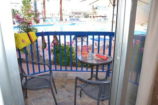 Alexia Hotel  Apartments: vista piscina