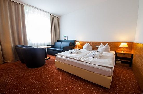 NOVINA HOTEL Südwestpark: Doppelzimmer