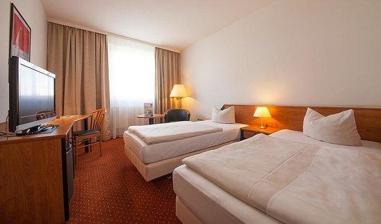 NOVINA HOTEL Südwestpark: Zweibettzimmer