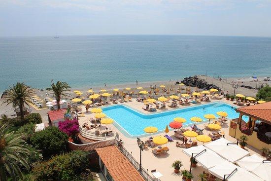 Hilton Giardini Naxos : вид из номера