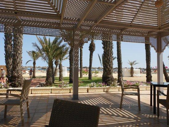 Hotel Palace Hammamet Marhaba : widok na plażę z baru