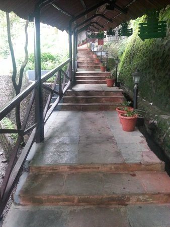 The Naini Retreat: Entrance