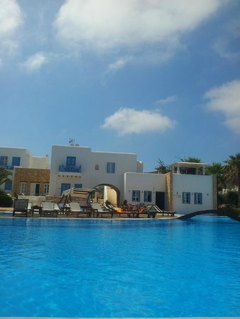 Chora Resort Hotel and Spa: View from pool