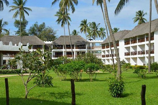 DoubleTree by Hilton Resort Zanzibar - Nungwi: Pool Facing rooms with top floor - ocean view