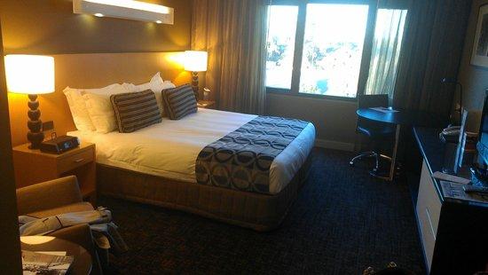 PARKROYAL Parramatta: King Bed
