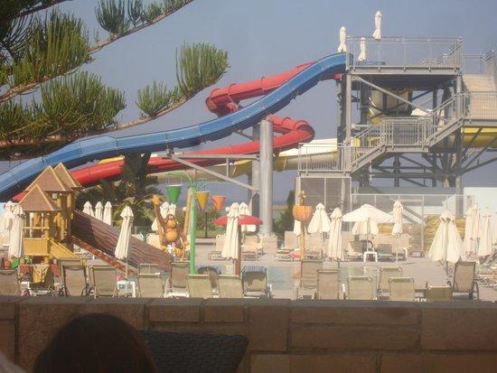 Louis Phaethon Beach : Glijbaan