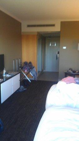 PARKROYAL Parramatta: Veiw of room standing infront of window