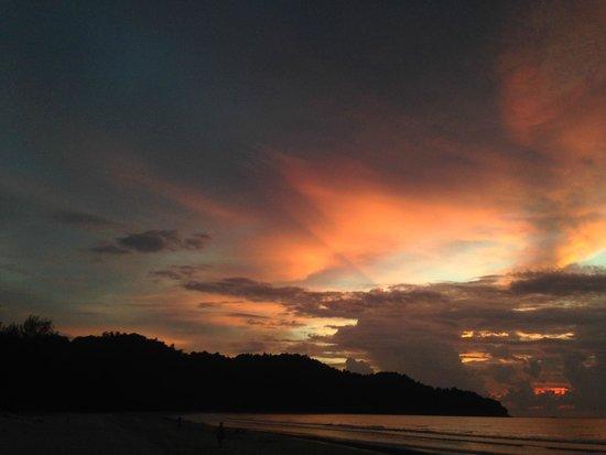 Nexus Resort & Spa Karambunai: beautiful sunset