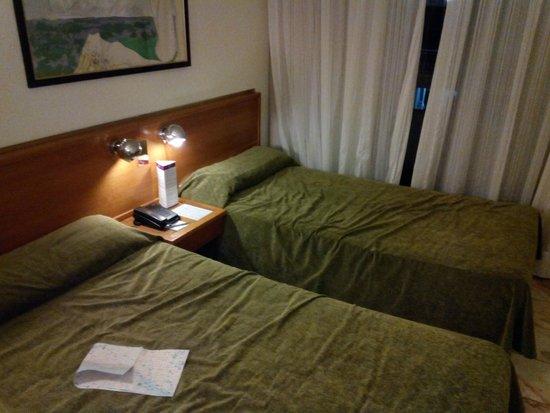 Expo Hotel Barcelona: Habitación al entrar