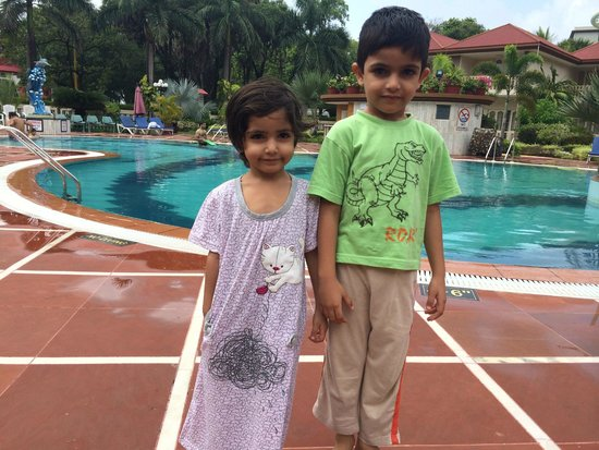 Radhika Beach Resort: Poolside