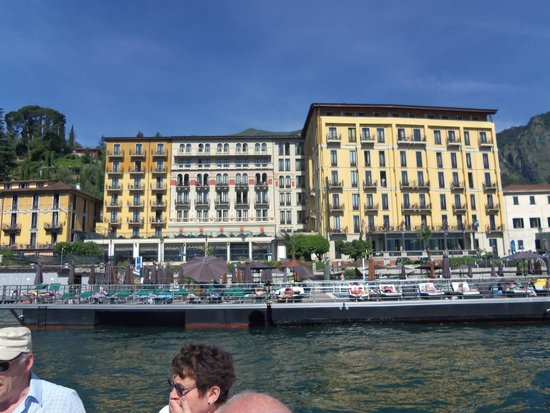Grand Hotel Britannia Excelsior: View of hotel from boat