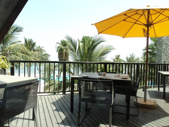 JA Palm Tree Court: view from the restaurant where breakfast is served
