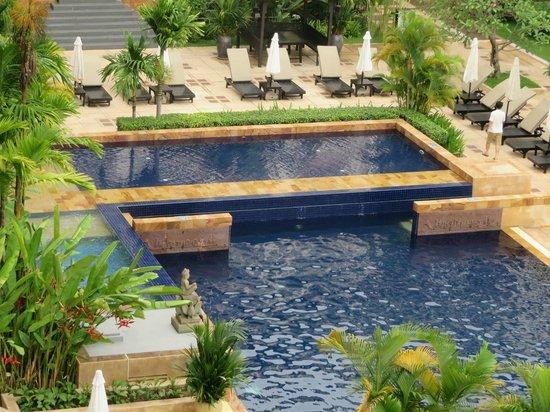 Angkor Miracle Resort & Spa: Pool