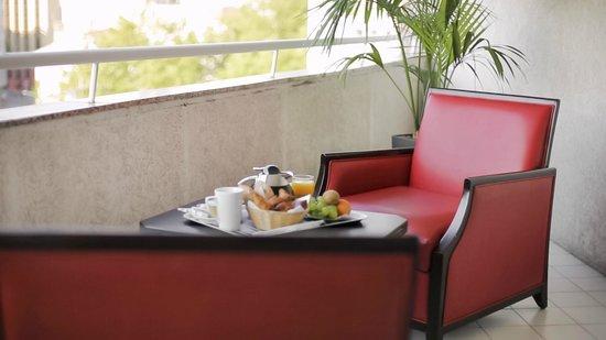 Hôtel Mercure Lyon Charpennes : Petit déjeuner en Terrasse