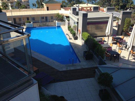 Nexus Benalmadena Suites & Apartments: Piscina