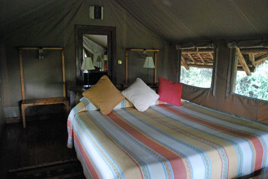 Tortilis Camp : Interior of tent.