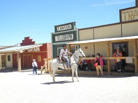 Grand Canyon West : Horse riding