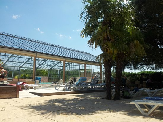 Piscine picture of camping le carbonnier en perigord for Camping saint malo avec piscine