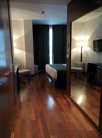 Carris Cardenal Quevedo: habitacion