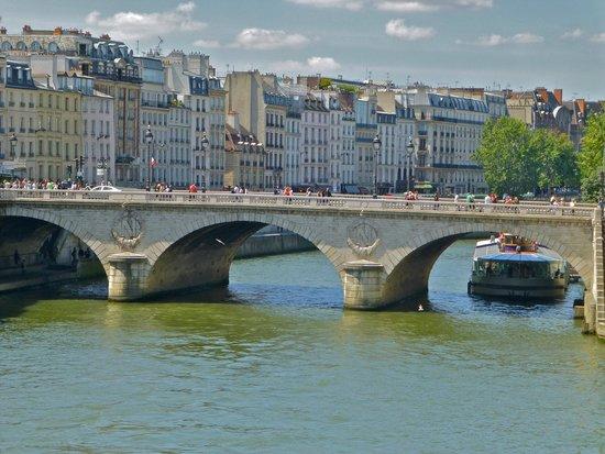 La Seine : boat trip down Notre Dame