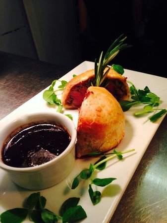 The Waggon and Horses: Beef Wellington