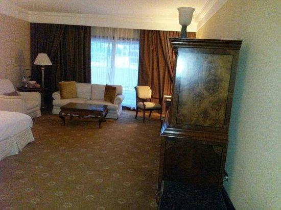 Jood Palace Hotel Dubai: Spacious room