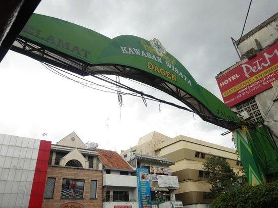 Ibis Styles Yogyakarta: street