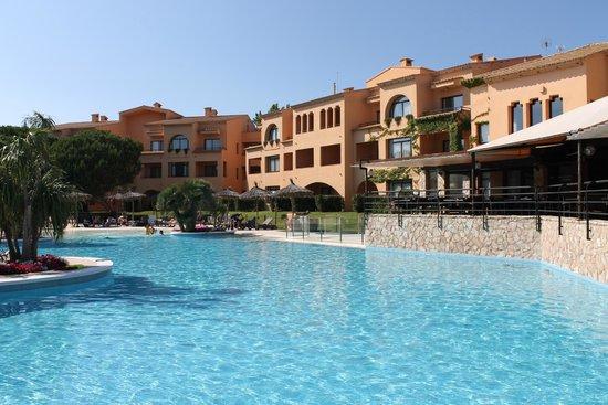 La Costa Golf & Beach Resort : Piscina del hotel
