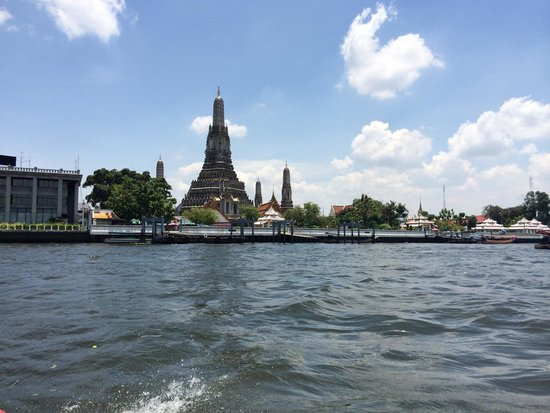 Chao Phraya River: One of the temples right on the water