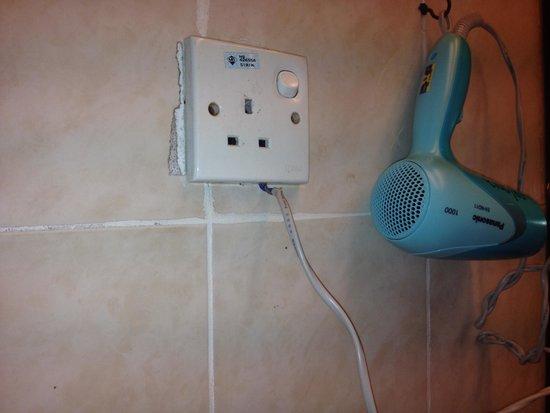 Hotel Soleil : Electrical hazard