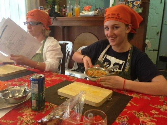Kata Thai Cooking Class: Happy students!
