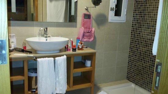 Barcelo Castillo Beach Resort : Lovely Bathroom