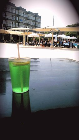 Otium Eco Club Side: вид на открытый бассейн