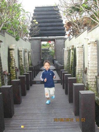 Pandawa Beach Villas & Spa : Pintu gerbang masuk