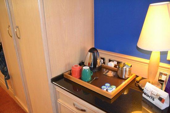 Park Inn by Radisson Cardiff City Centre: tea time