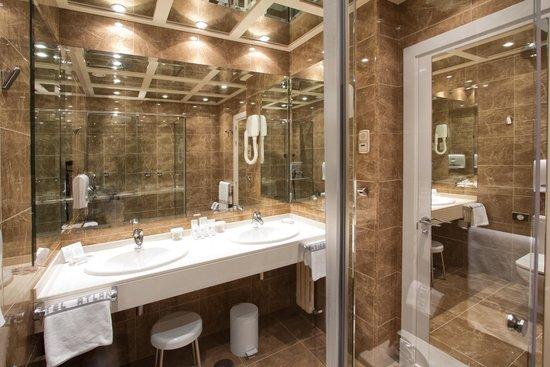 Hotel Atlantico: Baño