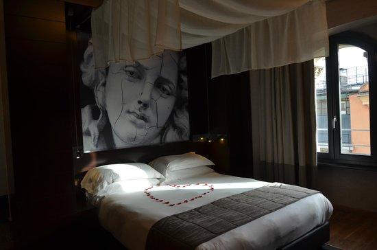 Dharma Hotel & Luxury Suites: Suite accueillante