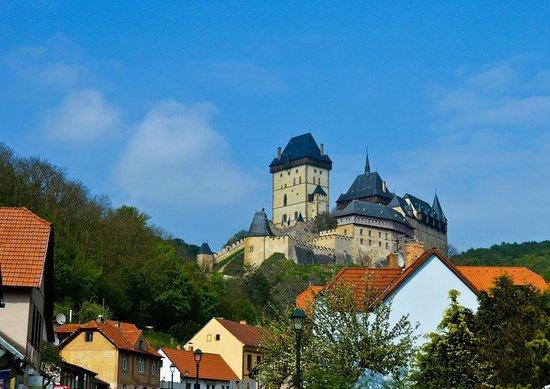 Karlstejn Castle : Вид на замок