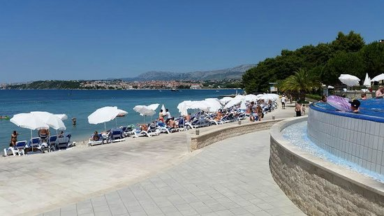 Le Meridien Lav Split: The pool/beach area