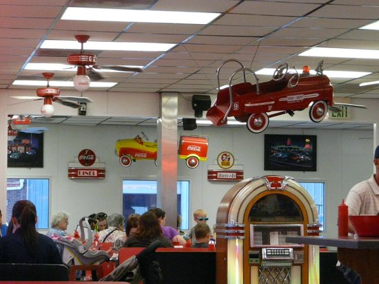 Duffy's Diner: Collorful