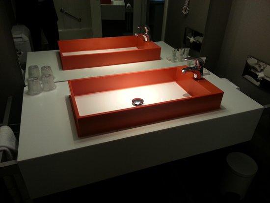 Hotel BLOOM! : Salle de bain
