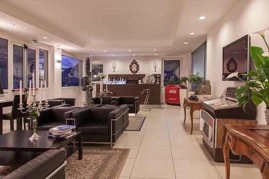 Hotel Benaco: Reception