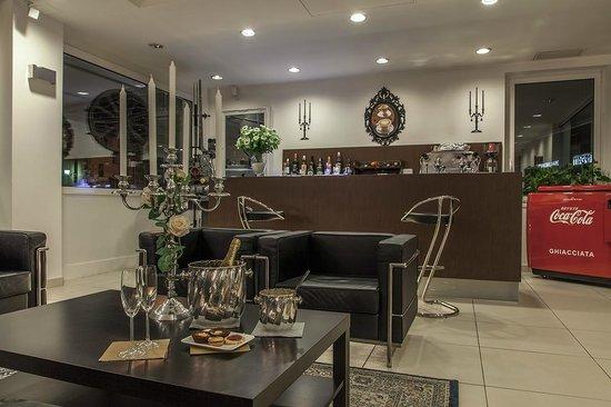 Hotel Benaco: Bar