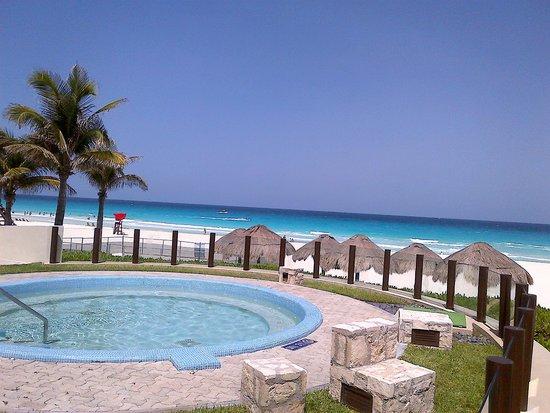 The Westin Lagunamar Ocean Resort Villas & Spa: side pool